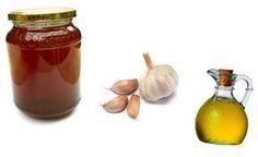 Česnek, ocet a med - lepší kombinace snad už neexistuje Zázračná kombinace česneku, jablečného octa a medu umí uzdravit téměř každý lidský neduh. Tato přírodní léčba potírá rakovinu, artritidu a srdeční problémy. Léčí astma, chřipku, vysoký kre... Nordic Interior, Hot Sauce Bottles, Ayurveda, Health Fitness, Honey, Herbs, Jar, Healthy, Ursula