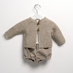 sainteclaire.es Little Boy Outfits, Baby Outfits, Kids Outfits, Knitting For Kids, Baby Knitting, Crochet Baby, Baby Girl Fashion, Kids Fashion, Babies Fashion