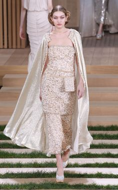 Kendall Jenner, Gigi Hadid and Bella Hadid Dominate the 2016 Chanel Haute Couture Show | E! Online Mobile