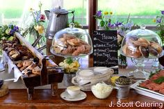 Easter Sunday Buffet Brunch at Boulevard Kitchen & Oyster Bar - My VanCity Healthy Muffin Recipes, Healthy Breakfast Smoothies, Breakfast Bar Kitchen, Breakfast Buffet, Party Catering, Catering Food, Catering Ideas, Rustic Buffet, Rustic Table