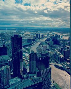 #TourMyCity for a weekend. Amazing quality for this pic of Melbourne taken from the Skydeck  w/ #huaweip9 #OO