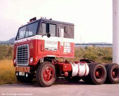 Big Ford Trucks, Classic Chevy Trucks, Semi Trucks, Cool Trucks, Antique Trucks, Vintage Trucks, Model Truck Kits, Truck Transport, Freightliner Trucks