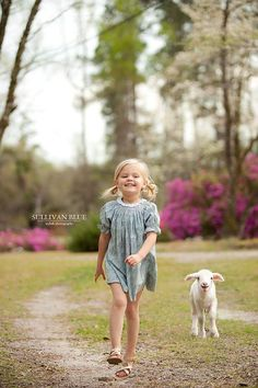 Sullivan Blue Photography, easter, spring, child photography, lamb, lamb sessions