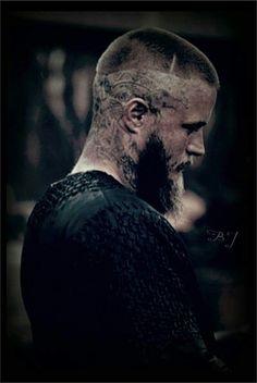 Travis Fimmel as Ragnar Lothbrok - Vikings - Ragnar Lothbrok Haircut, Ragnar Lothbrook, Ragnar Lothbrok Vikings, Lagertha, Vikings Tv Series, Vikings Tv Show, Vikings Travis Fimmel, Travis Vikings, Viking Pictures