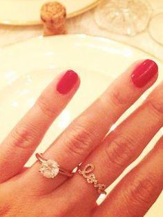 Mit Handlifting zum perfekten Verlobungs-Selfie