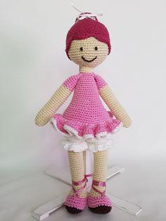 Crochet doll. Lalka zrobiona na szydełku. hand made dolls cotton crochet toy gift girl lalki szydełko zabawka ręczna praca ręczne robótki bawełna