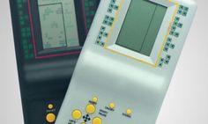 """""""Minigame: Um dos brinquedos eletrônicos mais populares da década de 1990, os minigames comportavam até 9999 (como anunciavam na embalagem) diferentes jogos. Entre versões para tetris, corrida e ping-pongue, o destaque ficava por conta do preço baixo e da facilidade em encontrar em qualquer loja ou camelô."""""""