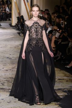 See all the Zuhair Murad Haute Couture Spring 2018 looks from the runway. Zuhair Murad, Fashion Week, Runway Fashion, Fashion Show, Fashion Fashion, Gothic Fashion, Victorian Fashion, High Fashion, Beautiful Gowns