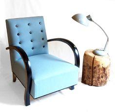 Fauteuil bridge boutons en verre inclusion métal ,technique fusing feutre bleu, bois noir/ argent Pauline KRIER tapissier créateur
