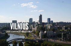 Vilnius non può essere definita una capitale bellissima nel senso classico del termine, Vilnius è bizzarra nelle forme e nelle idee e per scoprirla ci vuole calma e leggerezza. Per assimilare le sue bizzarrie che la rendono unica tra le capitali baltiche per i suoi simboli, le sue architetture gotiche, classiche e barocche.    Che