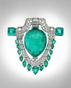 MFA, Boston. Marjorie Merriweather Post brooch. Emerald and diamond corsage ornament. American, late 1920s.