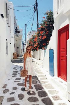 White houses, flowers and colorful doors Mykonos, Greece: www. Ways To Travel, New Travel, Places To Travel, Travel Destinations, Travel Hacks, Travel Style, Travel Tips, Greece Destinations, Shopping Travel
