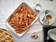 Irgalmatlanul jó cheddar sajtos sós rudak – Mai Móni Cheddar, Lidl, Baking Recipes, Waffles, Breakfast, Food, Cooking Recipes, Morning Coffee, Cheddar Cheese