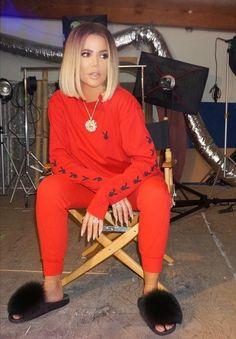 I want this look ! Khloe Kardashian Outfits, Koko Kardashian, Robert Kardashian, Kardashian Style, Kardashian Jenner, Simple Outfits, Cool Outfits, Jenner Style, Up Dos