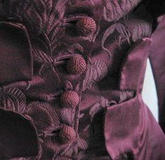 An windigen Herbsttagen steht uns plum am besten: wicked ist unser Shade of the Month Magenta, Shades Of Purple, Deep Purple, Lilac, Mauve, Lavender, Purple Wine, Burgundy Wine, Deep Burgundy