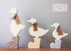 Personalised Freestanding Family of Ducks @youmeweshop Family of ducks These can be individually personalised with your family's names. These come in a set of 3 and can be decorated however you would like. #ducks #quack #personalised #family