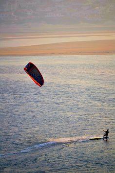 Kiteboarding, kite surfing