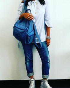 """Mi piace"": 10, commenti: 1 - Mandarina Duck Official (@mandarinaduckit) su Instagram: ""Today's mood: MD20💙 #mandarinaduck #MD20 #alwaysonthemove #alwayswithme #backpack #instadaily"""