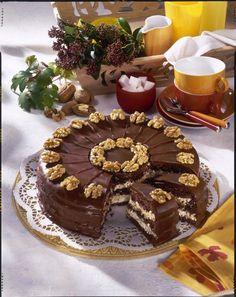 Schoko-Walnuss-Torte – it Hauck Schoko-Walnuss-Torte Schoko-Walnuss-Torte Rezept Chocolate Walnut Cake Recipe, Chocolate Recipes, Cake Chocolate, Pie Recipes, Cookie Recipes, Cake Decorating For Beginners, Food Cakes, Cakes And More, Popular Recipes