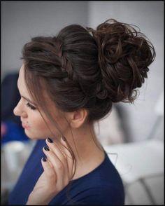 Lässige Hochsteckfrisur mit Flechtkranz und Dutt | Haircut ... | Einfache Frisuren