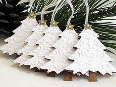 Embossed Shimmery White Christmas TREE Tags por stephaniematsunaka
