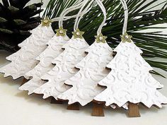 Embossed Shimmery White Christmas TREE Tags por stephaniematsunaka