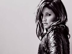 Lisa Marie Presley's photograph from her first album cover. Lisa Marie Presley, Elvis And Priscilla, Priscilla Presley, Elvis Presley Family, Daddys Little Princess, Celebrities Then And Now, My Favorite Music, American Singers, Beautiful People