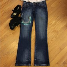 Seven7 Jeans Very stylish jeans can be worn for any occasion, only worn them a couple of times.L inseam 32in  Seven7 Jeans Flare & Wide Leg