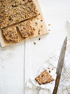 Gluteeniton siemenleipä | K-Ruoka #leivonta Bread, Food, Brot, Essen, Baking, Meals, Breads, Buns, Yemek