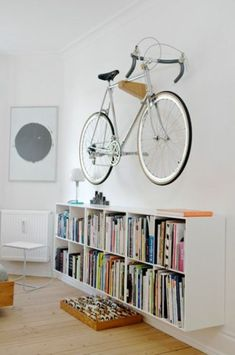 kleine bibliothek fahrrad wandhalterung aufhängen                                                                                                                                                                                 Mehr