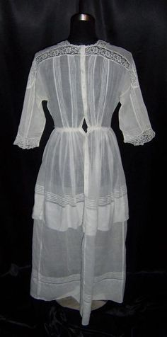 Image detail for -click on image to see more pictures here i have a victorian era dress ...