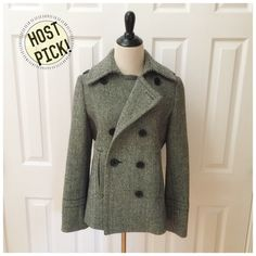 """🎉HP 1/11🎉 J.Crew Wool Pea Coat 🎉1/11 HP Sweater Weather🎉 J.Crew herringbone pea coat in size medium. Hits at hip, is lined, and has back vent and side pockets. 100% wool. Worn only once or twice and in perfect """"like new"""" condition! 19"""" bust, 18"""" waist, 21.5"""" bottom hem, 15.5"""" shoulder, 24"""" sleeve length, 24"""" length. J. Crew Jackets & Coats Pea Coats"""