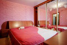 Предлагаем для долгосрочной аренды в Ставрополе  2 - комнатная квартира по адресу Пирогова46/2, Пятерочка , ремонт современный,кухонный гарнитур, шкаф-купе, 2-х спальная кровать, мягкая мебель, общей площадью 54.4 кв.м, дом Кирпич, Центральное отопление, Газ-плита, наличие бытовой техники - стиральная машина (+), холодильник (+), телевизор (+),парковка стихийная, номер объявления - 21262, агентствонедвижимости Апельсин. Услуги агента только по факту заключения договора.Фотографии…