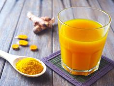 Meat and Nitrates May Cause Migraines – Saturday Strategy Turmeric Juice Recipe For Migraine Relief Print Ingredients 1 bunch celery 1 cucumber inch turmeric root 1 inch ginger root 3 large carrots cups fresh chopped pineapple Instr Turmeric Shots, Turmeric Juice, Turmeric Recipes, Turmeric Health Benefits, Ginger Juice, Fruit Bio, Healthy Holistic Living, Easy Drink Recipes, Migraine Relief