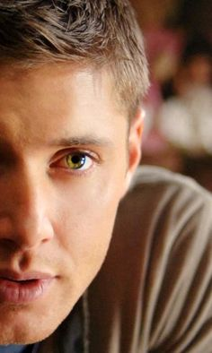 Jensen Ackles as Dean Winchester in Supernatural Castiel, Jensen Ackles Supernatural, Sammy Supernatural, Jensen And Misha, Winchester Supernatural, Sam Dean, Sam E Dean Winchester, Matt Cohen, Misha Collins