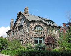 1075 Burns, Indian Village, Detroit c. 1890 (moved to Indian Village in 1921). Architect: Walter S. Russell. Style: Richardsonian Romanesque.