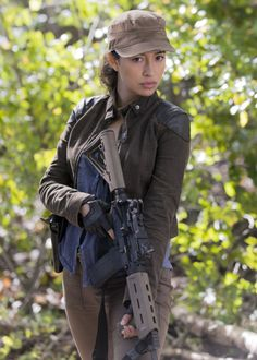 Rosita Espinosa in The Walking Dead Season 6 Episode 15 Rosita The Walking Dead, Walking Dead Season 6, Walking Dead Tv Series, Fear The Walking Dead, Christian Serrato, Dead Inside, Stuff And Thangs, Dead Man, Cosplay