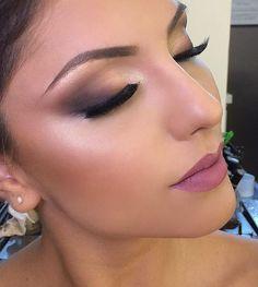 Noivas por Ederson Oliveira  #beauty @edersonoliver_beauty  #model @keillacastro #edersonnognt #DesafioDaBelezaNoGNT @anastasiabeverlyhills #anastasiabeverlyhills @vegas_nay #vegasnay #kryolanbrasil #indicetokyo #nee #maccosmetics #makeupforever #vogue. @umamaquiag#em @brutavaresppf #universodamaquiagem #brides #noivas #casamento #maquaigemdenoiva#pausaparafeminices