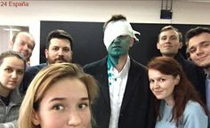 El opositor ruso Navalni se opera un ojo en Barcelona tras sufrir un ataque que casi le deja ciego