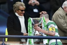 ROD STEWART was at the Celtic game last night and he must have made a very late night or early morning trip down south to make sure he was ready to go on ITV's Loose Women with his wife, Penn… Celtic Fc, Rod Stewart, Down South, Stunts, Football, Fan, News, English, American Football