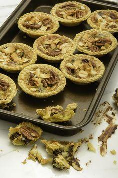 Tartelettes au chocolat, à la noix de pécan et à la noix de coco
