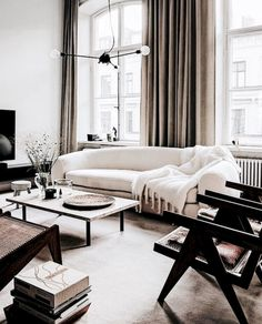 47 Cozy Black And White Living Room Design Ideas. If you are looking forward to sending out a message of finesse as well as power then this couldn't be done better without painting your room in blac. Interior Design Minimalist, Home Interior Design, Minimalist Decor, Minimalist Scandinavian, Minimalist Living, Design 3d, House Design, Design Ideas, Modern Design