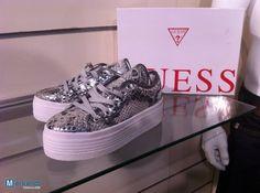 http://merkandi.gr/images/offer/lot-chaussure-guess-woman-1413335237.jpg