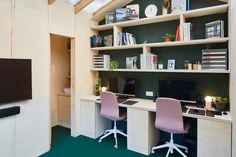 Richard John Andrews builds garden shed as his own architects' studio Backyard Office, Garden Office, Backyard Studio, Sofa Bed With Storage, Modular Office, Maine House, Prefab, Vinyl Flooring, Trendy Tree