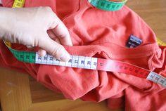 Nähtipp: Ein T-Shirt ohne Schnittmuster nähen – Yingdesign.ch – Bio Stoffe für Künstlerinnen Design, Shirt Sewing Patterns