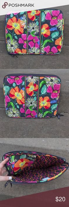 """Vera Bradley Laptop case 🌺🌸 LIKE NEW- USED 2X MAX!! FITS MY 13"""" PERFECTLY! SUPER BRIGHT COLORS- SUPES DORABLE!!😊💖 THIS COMES FROM A CLEAN // SMOKE FREE HOME!! ANY QUESTIONS PLEASE ASK!😘👏🏼 LAPTOP NOT INCLUDED! JUST FOR SIZE COMPARISON! Vera Bradley Accessories Laptop Cases"""