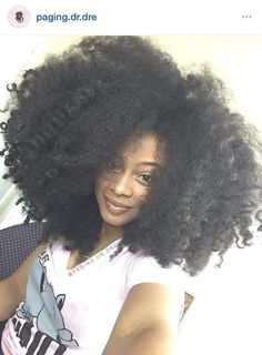 The Q-Redew allows you to achieve this look with no heat! #QRedew #NoHeat #NaturalHair