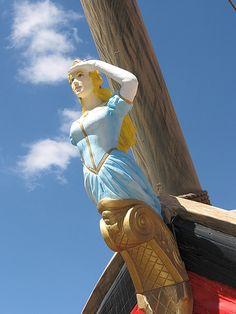Ship figurehead
