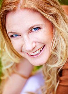 """Yvonne Holthaus in unserem Autorenportrait zur Aktion der Woche """"Autorenbadges"""": https://www.facebook.com/photo.php?fbid=10151962974109257&set=a.333483889256.184078.82098729256&type=1"""