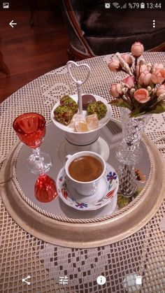 Tea And Books, Coffee Type, Turkish Coffee, Coffee Break, Punch Bowls, Tea Time, Food And Drink, Turkey, Inspirational